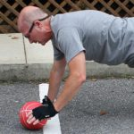 CORE TRAINING BALL PUSHUP